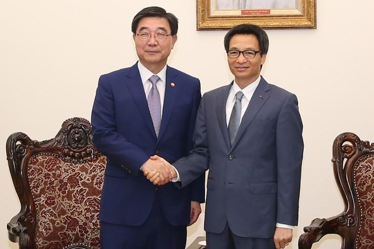 Vietnam y Surcorea forjan cooperación en sector laboral - ảnh 1
