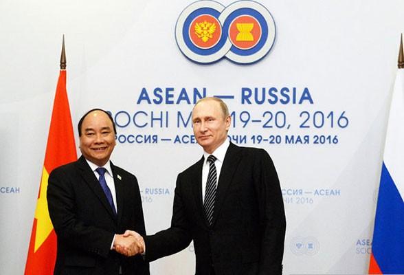 Asiste premier vietnamita a Cumbre conmemorativa de nexos ASEAN-Rusia - ảnh 1