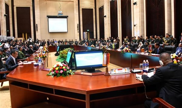 Ministro de Defensa de Vietnam propone medidas para una mejor coordinación entre Asean y China - ảnh 1