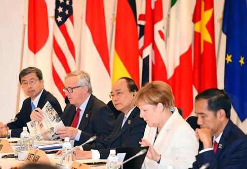 Primer ministro de Vietnam aprecia iniciativa nipona sobre desarrollo de infraestructura en Asia - ảnh 1