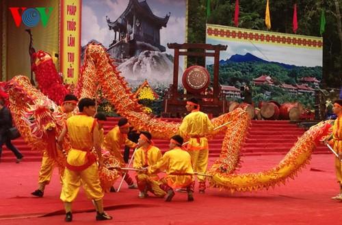 Fiestas primaverales resaltan rasgos culturales de campos vietnamitas - ảnh 1