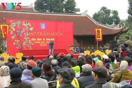 Día de la Poesía de Vietnam, en el Templo de la Literatura, en Hanoi - ảnh 11
