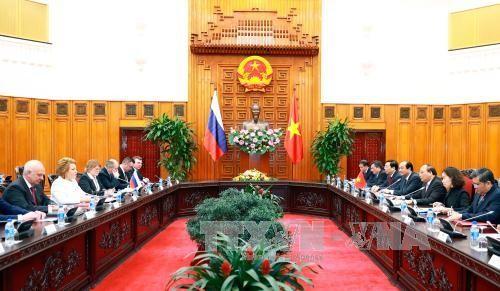Primer ministro vietnamita recibe a la titular del Senado ruso - ảnh 1