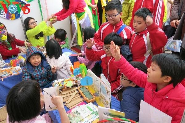 Iniciativa para fomentar el interés por la poesía en los niños vietnamitas - ảnh 1