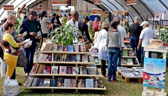Cuba y Fidel en lo más alto de la XXVI Feria Internacional del Libro de La Habana - ảnh 3