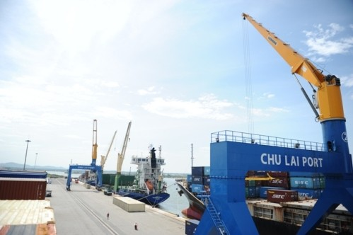 El puerto de Chu Lai, centro logístico importante en la zona central de Vietnam - ảnh 1