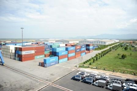 El puerto de Chu Lai, centro logístico importante en la zona central de Vietnam - ảnh 2