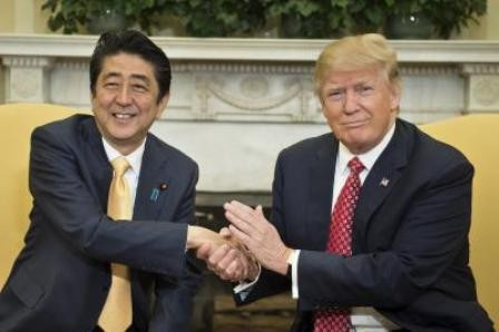 Abe y Trump acuerdan presionar a Corea del Norte para que cambie sus políticas - ảnh 1