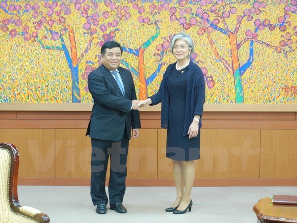 Empresas surcoreanas afirman su interés de ampliar los negocios y las inversiones en Vietnam - ảnh 1
