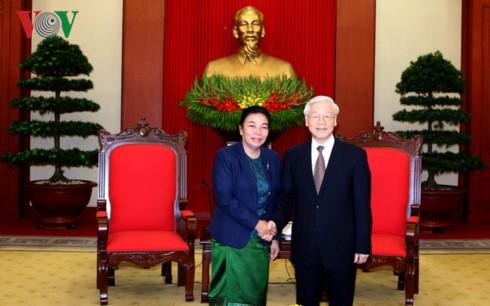 Dirigente vietnamita reafirma la voluntad de estrechar lazos con Laos - ảnh 1