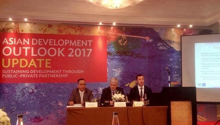 El Banco Asiático de Desarrollo prevé un crecimiento estable de la economía vietnamita - ảnh 1