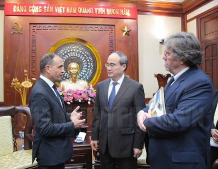 Ciudad Ho Chi Minh vigoriza los nexos con Francia, Hungría y Japón - ảnh 1