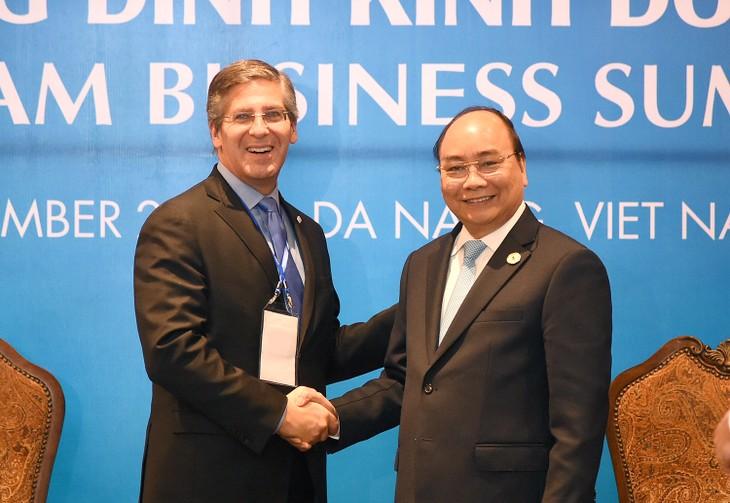 Vietnam incentiva la cooperación con empresas líderes del mundo - ảnh 1