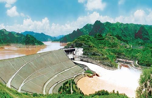 La central hidroeléctrica de Hoa Binh, símbolo de la amistad entre Vietnam y Rusia - ảnh 1