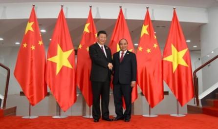 Primer ministro de Vietnam dialoga con el presidente chino  - ảnh 1