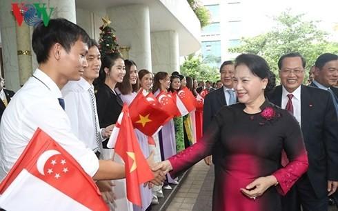 La visita de la líder parlamentaria de Vietnam crea hitos en relaciones con Singapur y Australia - ảnh 1