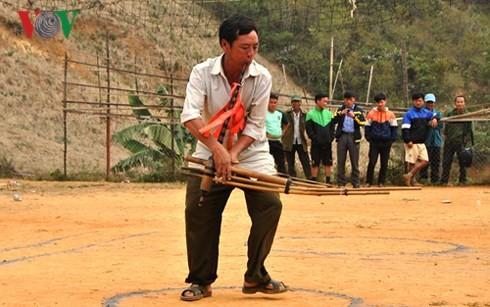 Danza con la zampoña, modo de comunicación especial de los Mong - ảnh 2