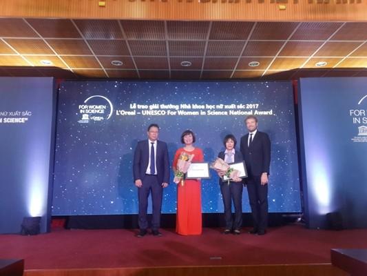 Dos científicas vietnamitas honradas con el premio L'Oreal-Unesco - ảnh 1