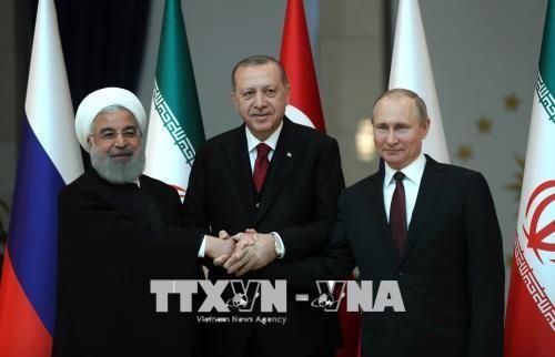 Rusia, Turquía e Irán buscan una solución para el conflicto en Siria - ảnh 1
