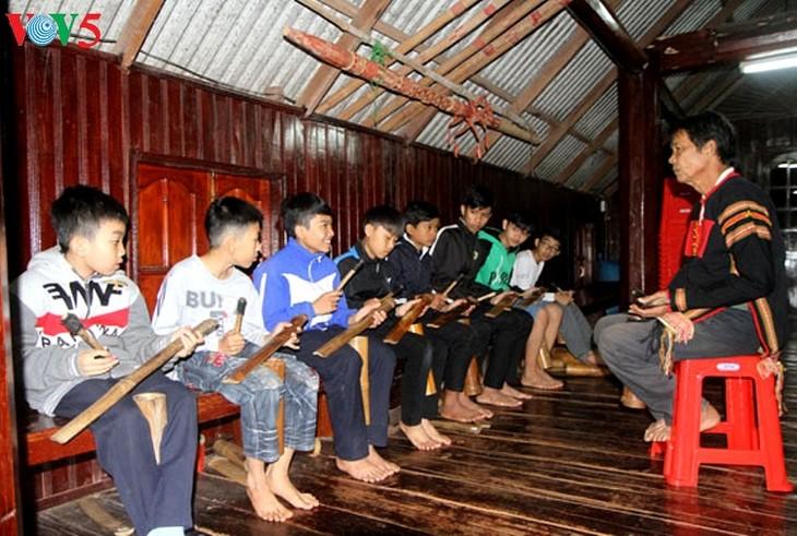 Esperanza de preservar legado musical de instrumentos tradicionales - ảnh 2