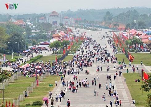 Veneración a los reyes fundadores de Vietnam en la comunidad  - ảnh 1