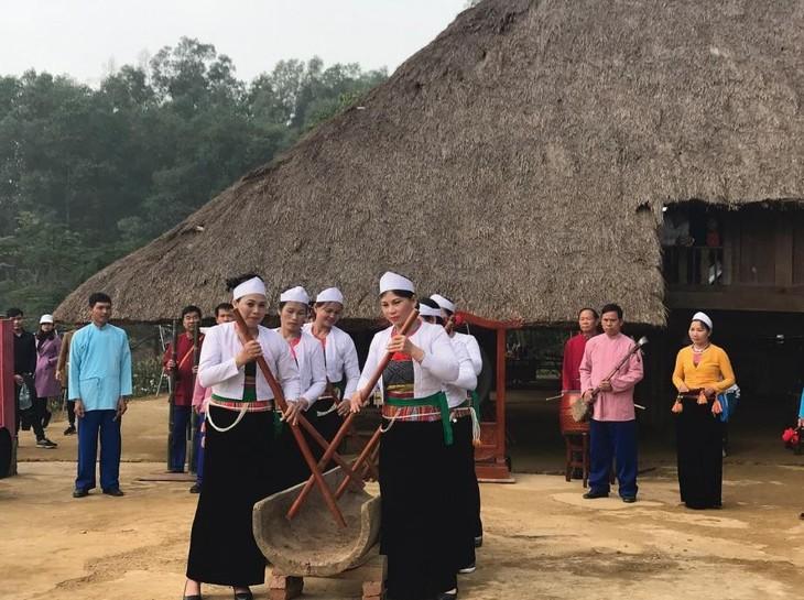 Veneración a los reyes fundadores de Vietnam en la comunidad  - ảnh 3