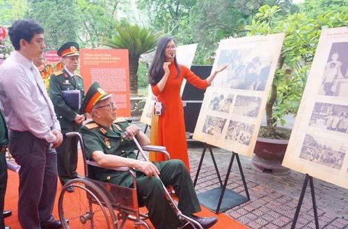 Vietnam celebra la Victoria del 30 de abril y el Día Internacional de los Trabajadores  - ảnh 1