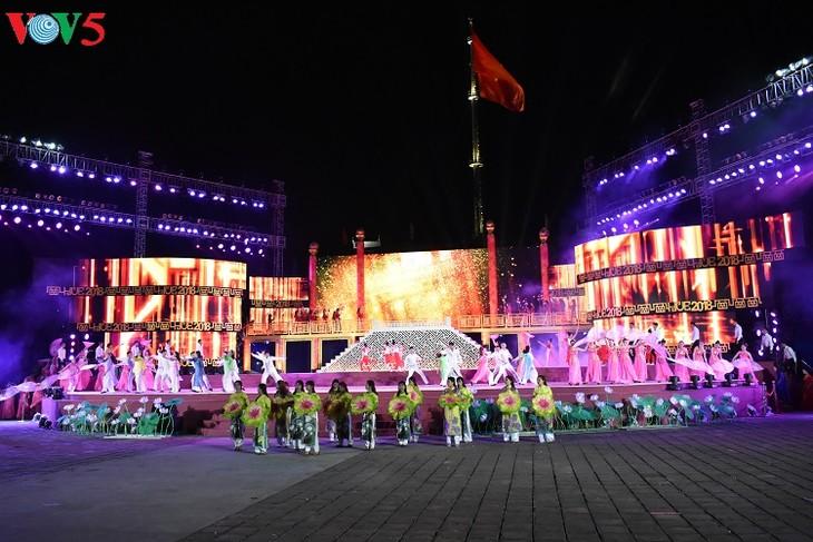 Hue, capital de los festivales de Vietnam - ảnh 1