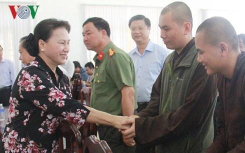Presidenta del Parlamento vietnamita se reúne con electores de ciudad sureña - ảnh 1