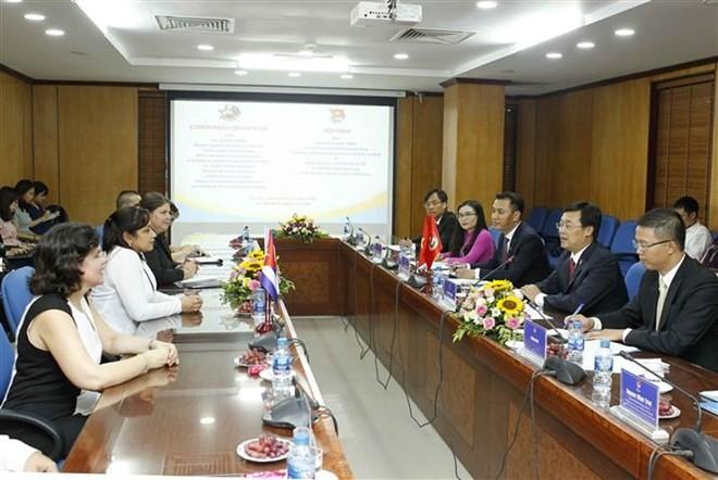 Ensalzan la creciente eficiencia de cooperación entre organizaciones juveniles de Vietnam y Cuba - ảnh 1