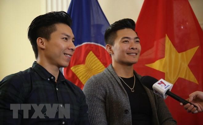 Artistas de circo vietnamitas promueven imagen del país al mundo - ảnh 1