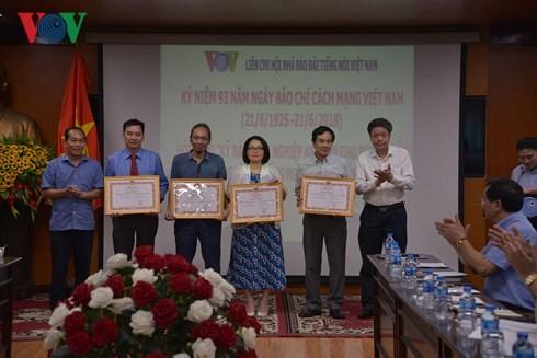 Recuerdan en la Voz de Vietnam la gloriosa tradición de la Prensa Revolucionaria Nacional - ảnh 1