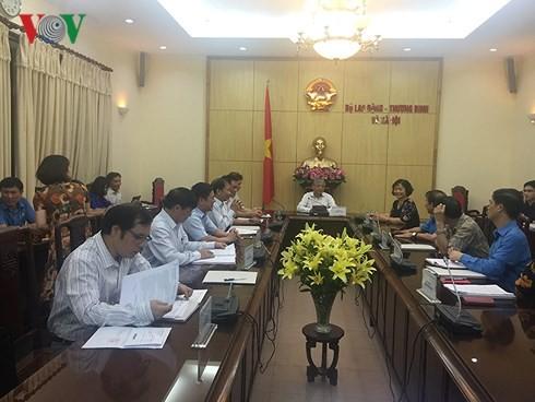 Proponen un aumento del 8% del salario mínimo de Vietnam para 2019 - ảnh 1