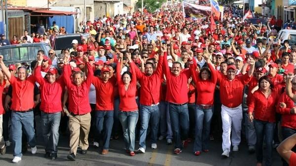 Marchas en Venezuela en apoyo y repudio a las nuevas medidas económicas del gobierno - ảnh 1