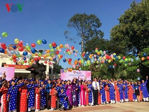 Localidades vietnamitas festejan la Fiesta Nacional, 2 de septiembre - ảnh 1