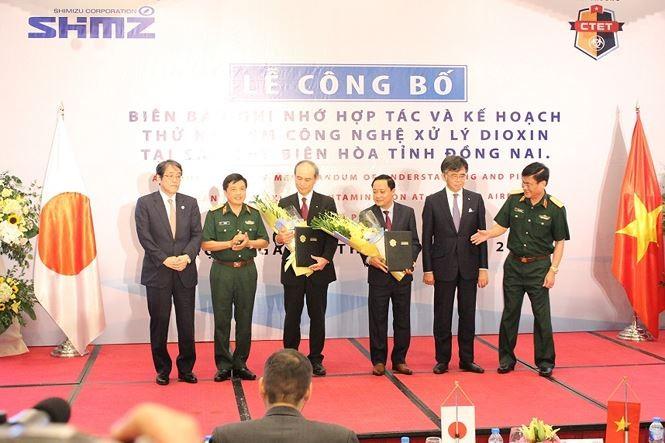 Publican plan piloto de desintoxicación de suelos infectados por dioxina en el aeropuerto de Bien Hoa - ảnh 1