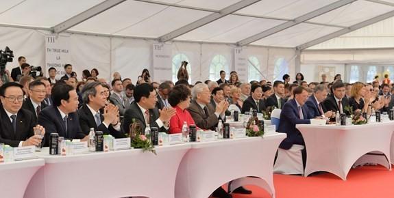 Secretario general del Partido Comunista de Vietnam visita la provincia rusa de Kaluga  - ảnh 1