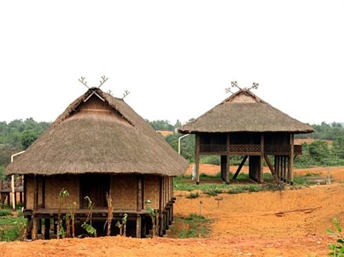 Tradiciones culturales de los Thai reflejadas en sus viviendas sobre pilares - ảnh 1