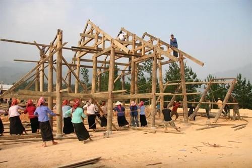 Tradiciones culturales de los Thai reflejadas en sus viviendas sobre pilares - ảnh 2