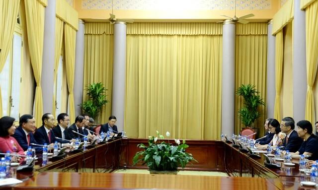 Mandatario vietnamita recibe al presidente del Tribunal Popular Supremo de China - ảnh 1