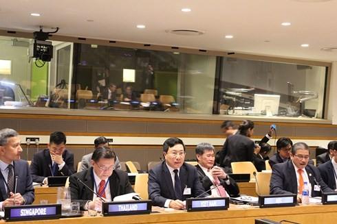 Canciller vietnamita participa en conferencia ministerial Asean-Alianza del Pacífico - ảnh 1