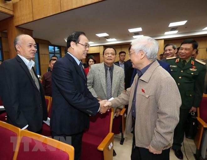 Máximo líder político de Vietnam se reúne con electores de Hanói - ảnh 1