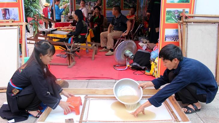 Fabricación artesanal de papel de la etnia Cao Lan - ảnh 2