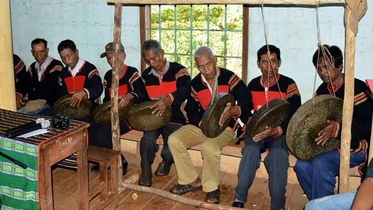 Exaltan la cultura de Tay Nguyen en festival de gongs y batintines - ảnh 2