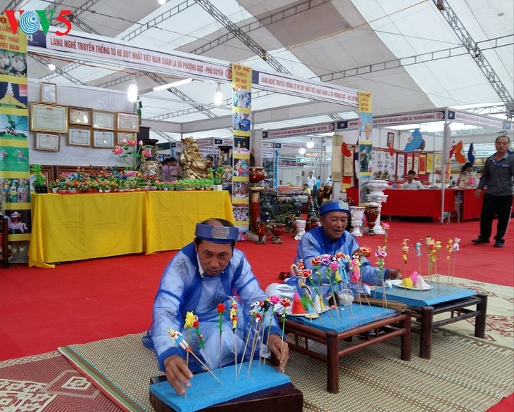 Despliegan en Hanói un programa para preservar y promover las quintaesencias artesanales vietnamitas - ảnh 2