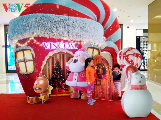 Ambiente navideño de Hanói - ảnh 3