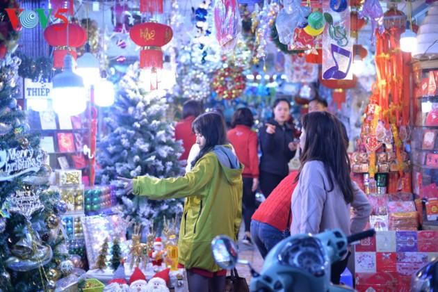 Ambiente navideño de Hanói - ảnh 8