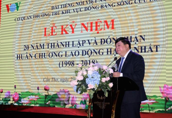 Condecoran con Orden de Trabajo a la representación de la Voz de Vietnam en región sur - ảnh 1
