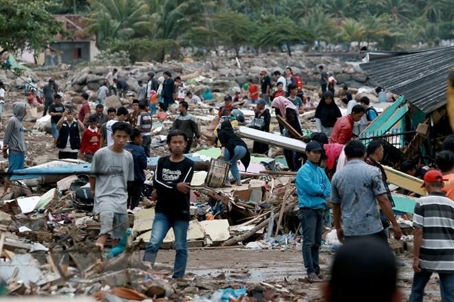 Dirigentes vietnamitas manifiestan solidaridad con gobierno y pueblo de Indonesia tras tsunami - ảnh 1