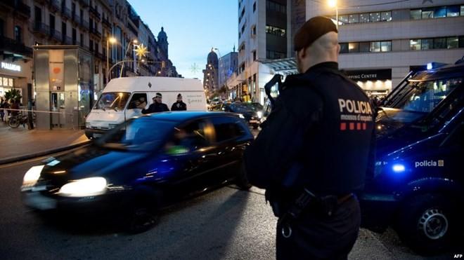 España refuerza la seguridad por amenazas de ataques terroristas - ảnh 1